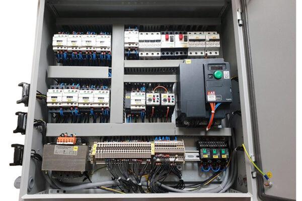 Interior cuadro eléctrico
